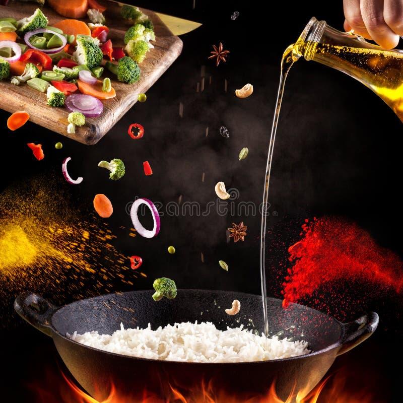 Ινδικό μαγείρεμα τροφίμων στοκ φωτογραφίες