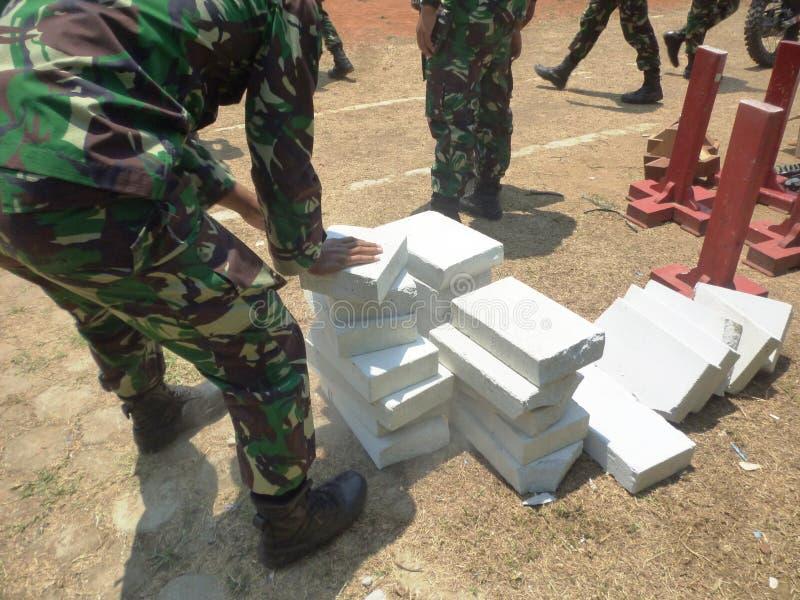 Ινδονησιακή έλξη στρατιωτών στοκ φωτογραφία