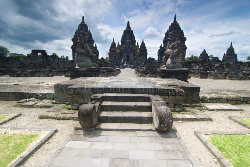 Ινδός ναός Prambanan. Ινδονησία, Ιάβα, Yogyakarta με το dramati στοκ φωτογραφία