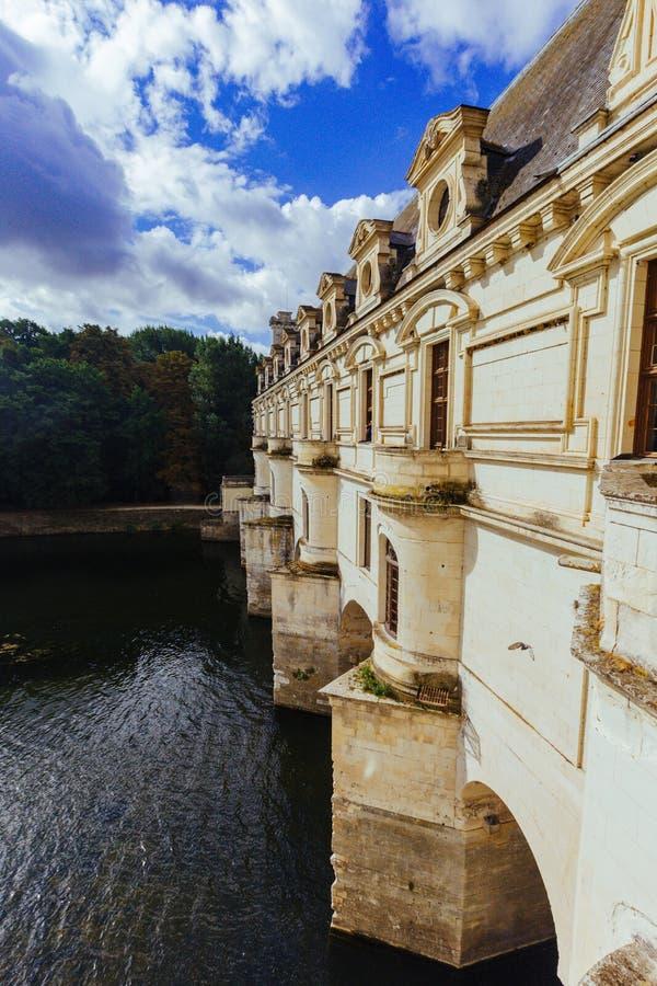 23 Ιουλίου 2017 το κάστρο Chenonceau Γαλλία Η πρόσοψη του μεσαιωνικού κάστρου των κυριών Το βασιλικό μεσαιωνικό κάστρο Chenonce στοκ εικόνες