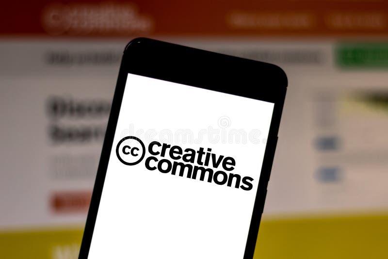 1 Ιουνίου 2019, Βραζιλία Σε αυτή τη φωτογραφία εμφανίζεται το λογότυπο Creative Commons σε smartphone στοκ φωτογραφία με δικαίωμα ελεύθερης χρήσης