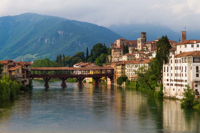 11 Ιουνίου 2016 Ιταλία - ποταμός Brenta και degli Alpin Ponte γεφυρών στοκ εικόνες με δικαίωμα ελεύθερης χρήσης