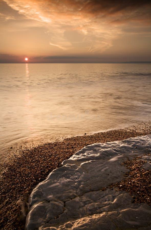 Ιουρασικό ηλιοβασίλεμα ακτών στοκ εικόνα με δικαίωμα ελεύθερης χρήσης