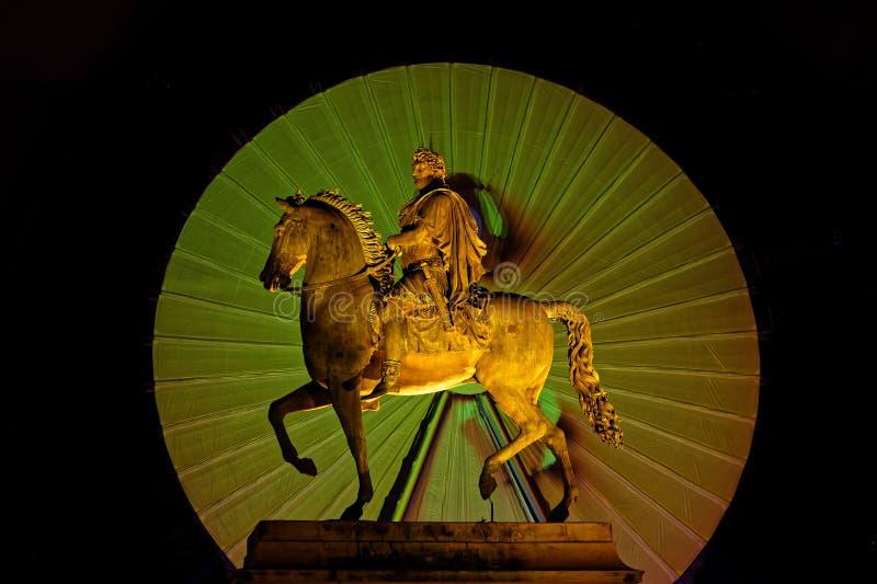 Ιππικό άγαλμα στη θέση Bellecour κατά τη διάρκεια Festiva των φω'των 2018l στοκ φωτογραφία με δικαίωμα ελεύθερης χρήσης