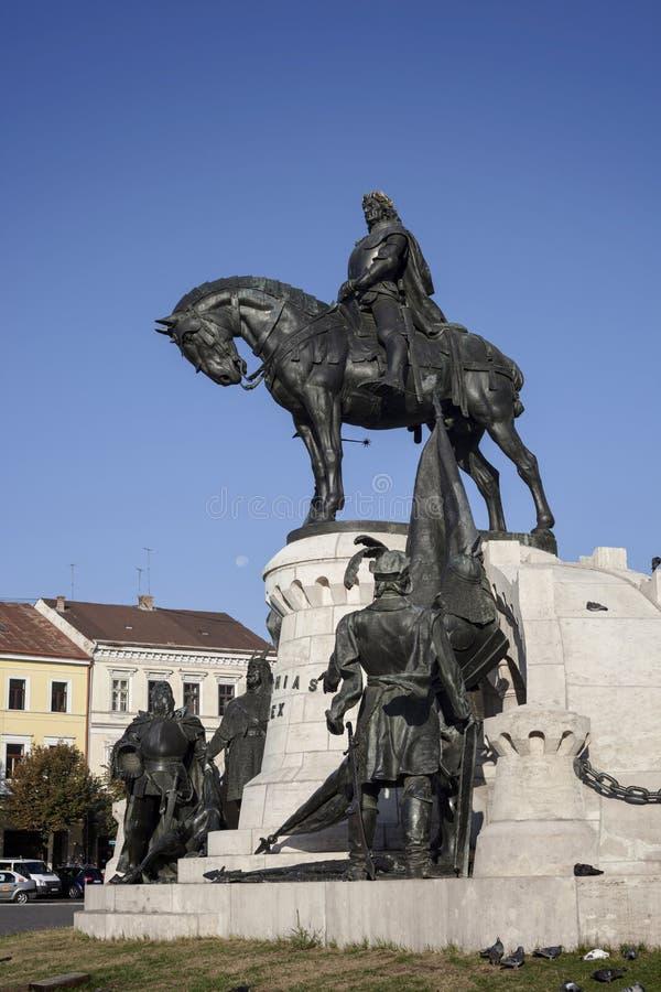 Ιππικό άγαλμα (βασιλιάς Mathias, Matyas) στο Cluj Napoca, Transyl στοκ φωτογραφία με δικαίωμα ελεύθερης χρήσης