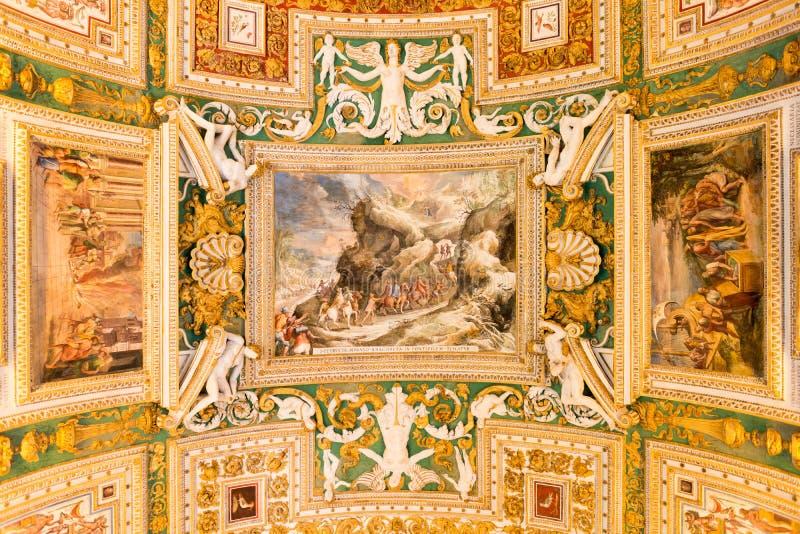 διπλή σκάλα Βατικανό της Ρώμης μουσείων της Ιταλίας ελίκων στοκ φωτογραφία με δικαίωμα ελεύθερης χρήσης