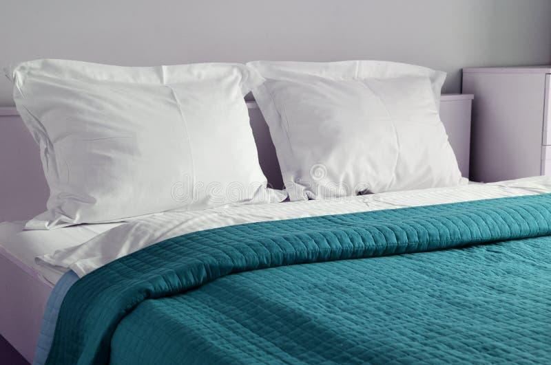 διπλό δωμάτιο ξενοδοχεί&omicr accompanist στοκ φωτογραφία