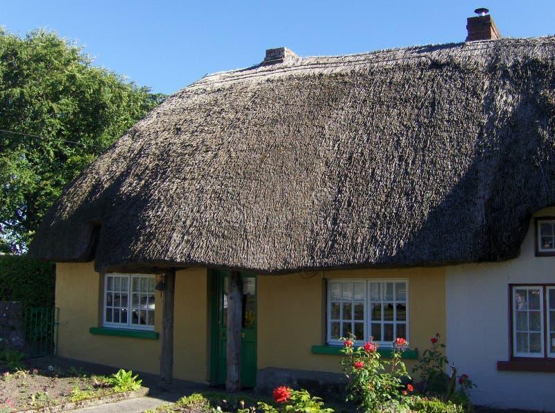 Ιρλανδικά παραδοσιακά σπίτια εξοχικών σπιτιών στοκ εικόνα με δικαίωμα ελεύθερης χρήσης