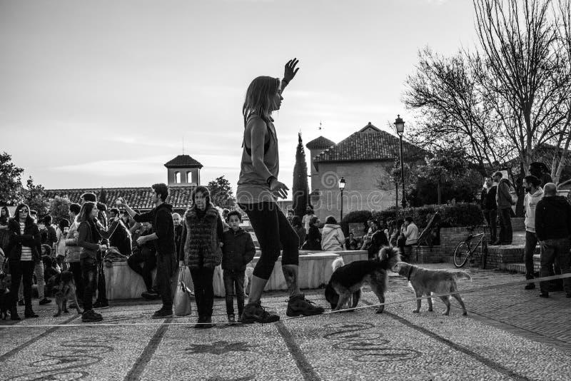 Ισορροπία οδών πέρα από το σχοινί - Ισπανία στοκ φωτογραφίες