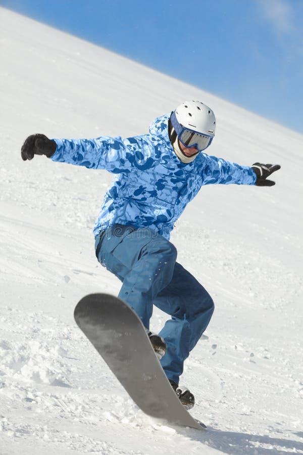 Ισορροπίες Snowboarder όταν εδάφη μετά από τη μύγα στοκ φωτογραφίες με δικαίωμα ελεύθερης χρήσης