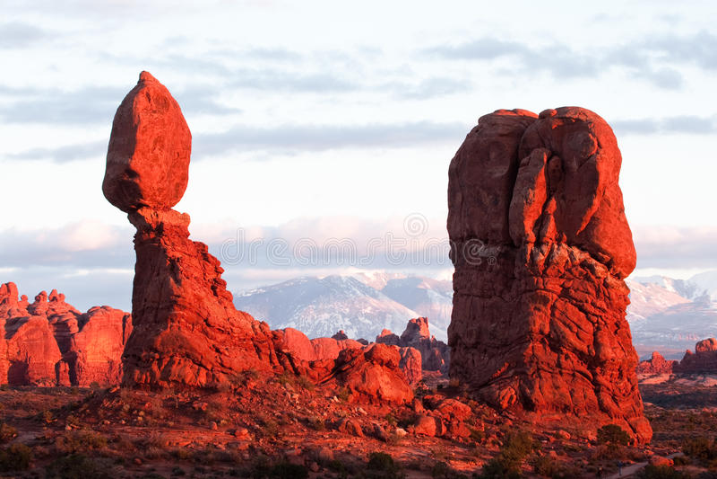ισορροπημένος βράχος στοκ φωτογραφία με δικαίωμα ελεύθερης χρήσης