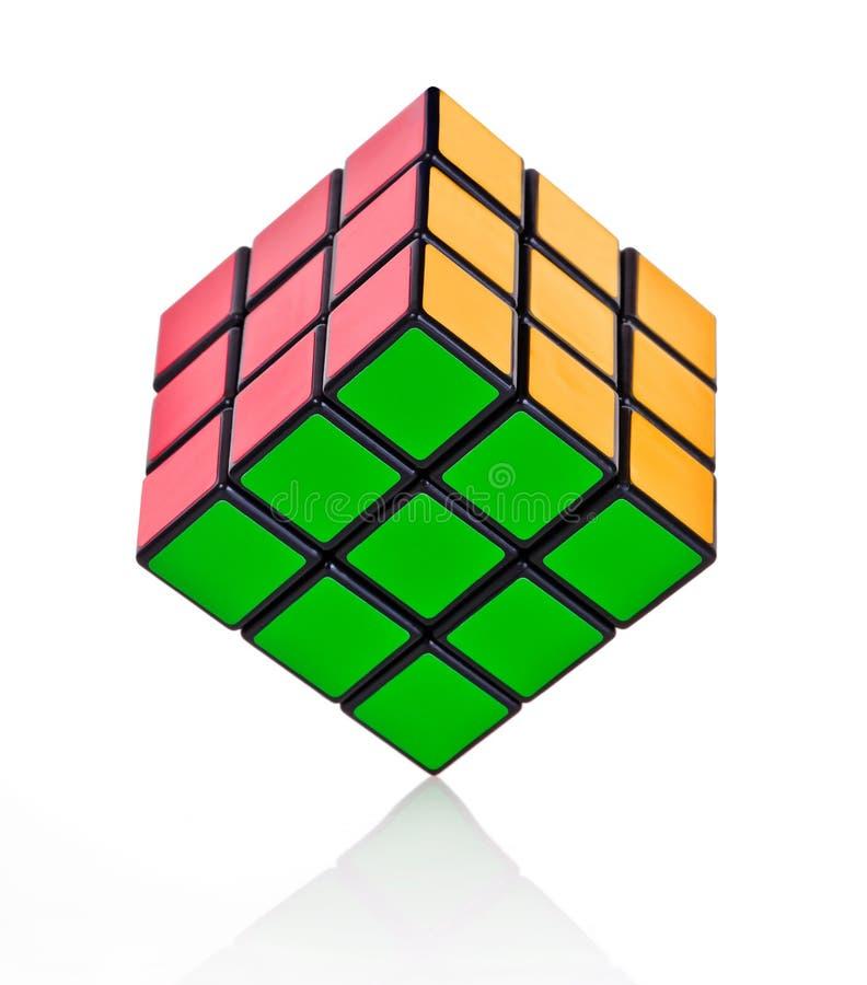 ισορροπημένος κύβος rubik s στοκ εικόνες