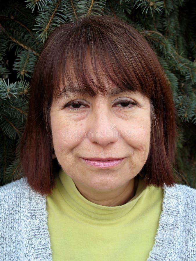 ισπανική μέση γυναίκα ηλικ στοκ εικόνες