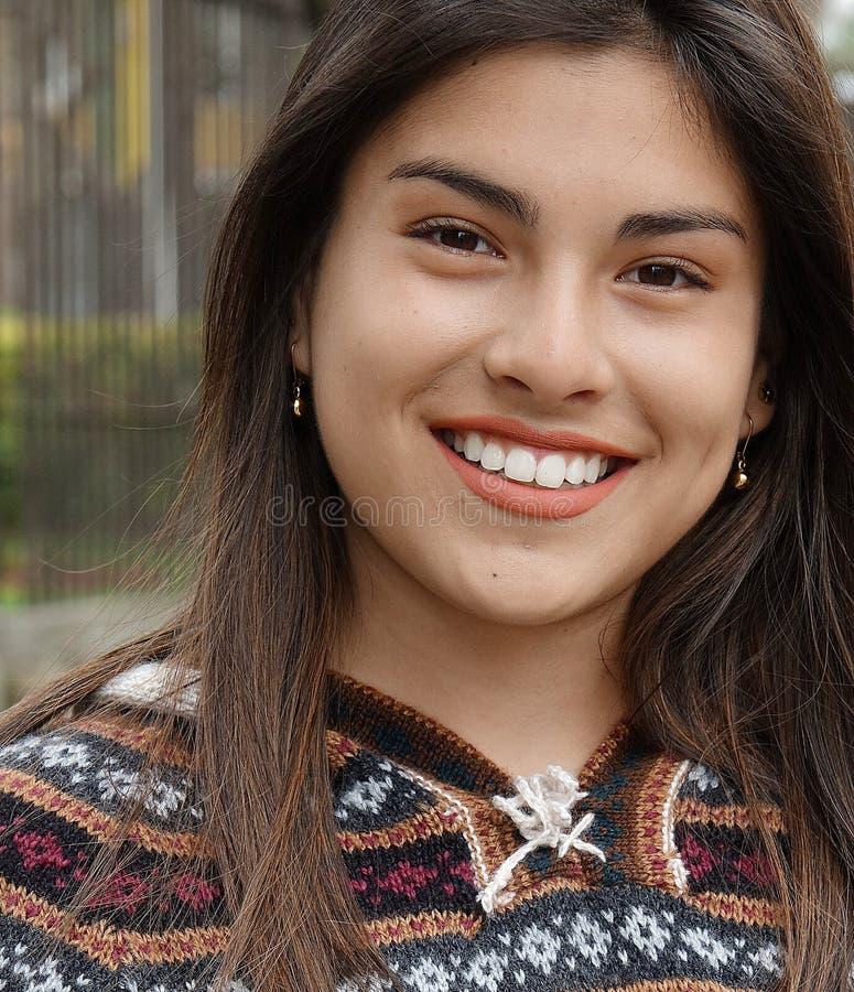 Ισπανικός θηλυκός έφηβος στοκ φωτογραφία με δικαίωμα ελεύθερης χρήσης