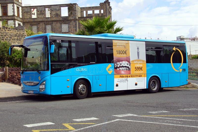 Ισπανικό λεωφορείο σφαιρικό TGC δημόσιων συγκοινωνιών στοκ φωτογραφίες