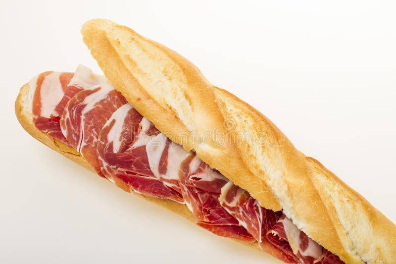 Ισπανικό σάντουιτς ζαμπόν serrano στοκ εικόνες