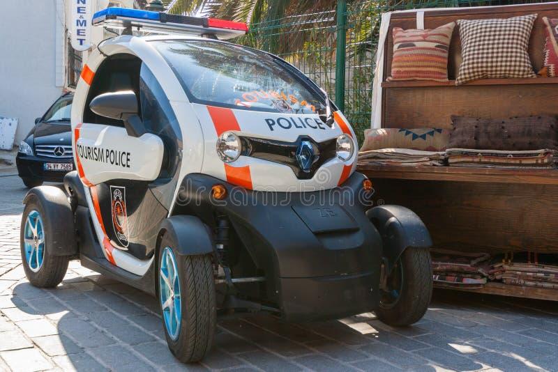 ΙΣΤΑΝΜΠΟΎΛ, ΤΟΥΡΚΙΑ - 2 Σεπτεμβρίου 2017 Ένα ηλεκτρικό αυτοκίνητο Renault TW στοκ φωτογραφίες με δικαίωμα ελεύθερης χρήσης