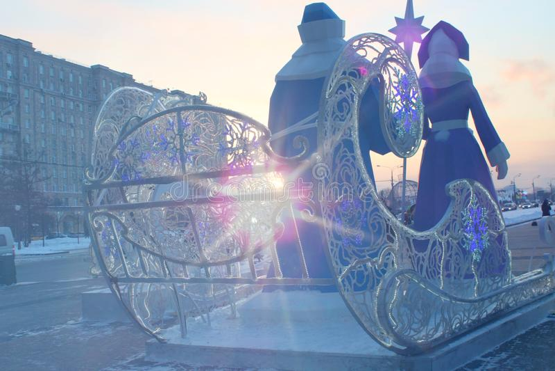 Ιστορία Χριστουγέννων με τους χαρακτήρες ιστορίας fairi ως διακόσμηση στην οδό πόλεων στοκ εικόνα με δικαίωμα ελεύθερης χρήσης