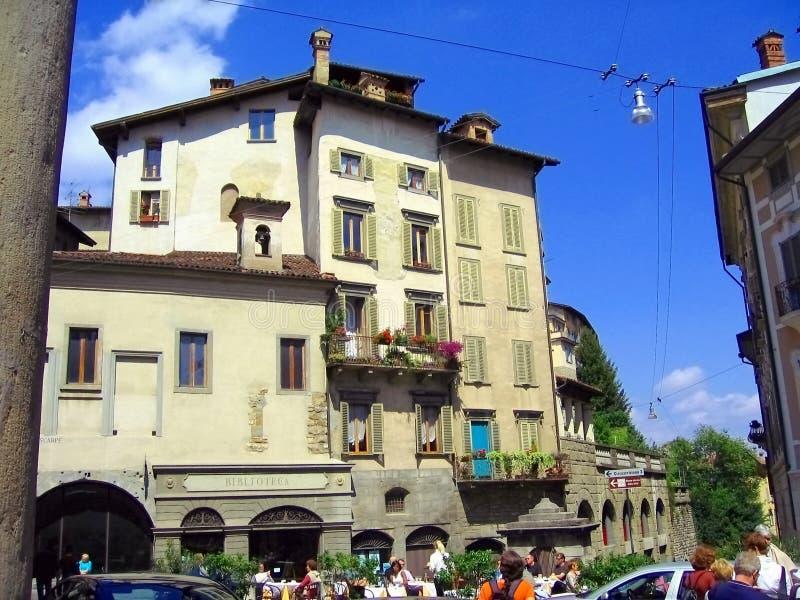 Ιστορικά κτήρια σε Cita Alta, Μπέργκαμο, Ιταλία στοκ εικόνα