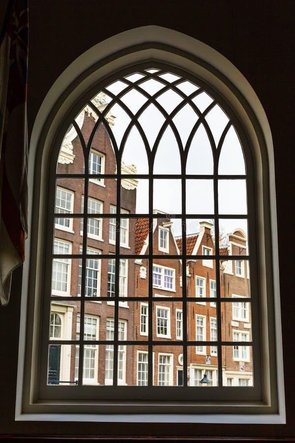 Ιστορικά σπίτια Begijnhof άποψη παραθύρων του Άμστερνταμ, Κάτω Χώρες στοκ φωτογραφία με δικαίωμα ελεύθερης χρήσης