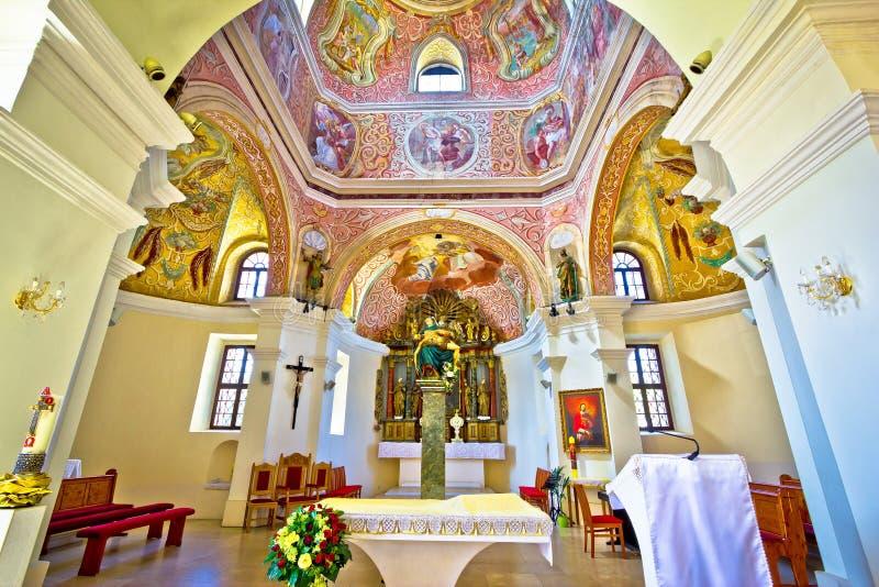 Ιστορική άποψη βωμών εκκλησιών σε Krizevci στοκ φωτογραφία με δικαίωμα ελεύθερης χρήσης