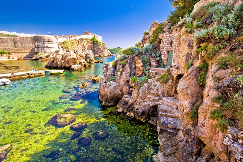 Ιστορική άποψη τοίχων λιμένων και πόλεων Dubrovnik στοκ φωτογραφία με δικαίωμα ελεύθερης χρήσης