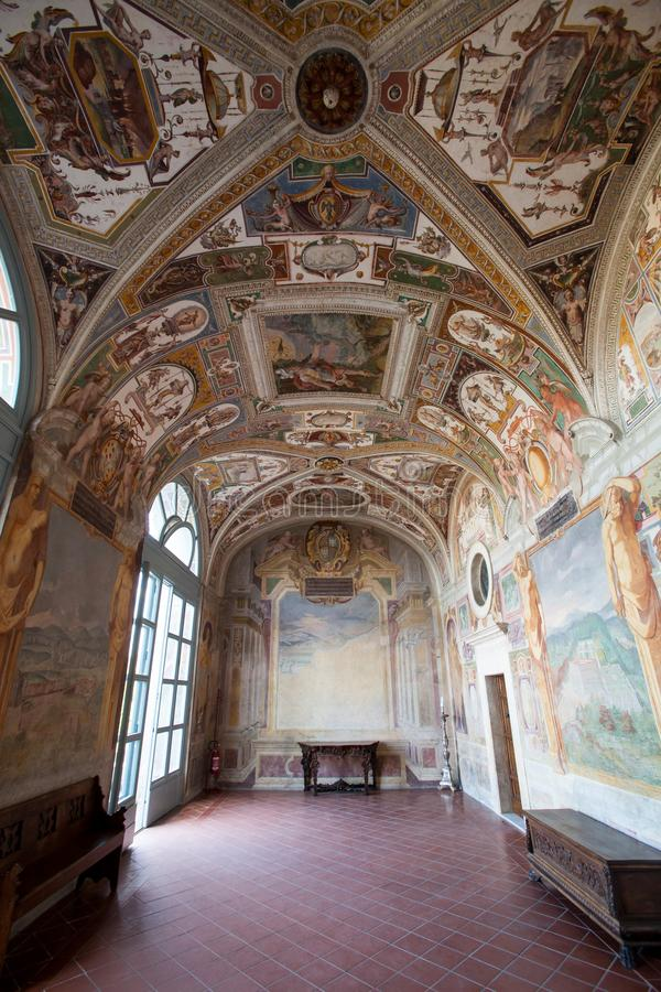 Ιστορική αίθουσα μέσα στη βίλα Lante, στην πόλη Bagnaia στην επαρχία του Βιτέρμπο στην Ιταλία στοκ φωτογραφία με δικαίωμα ελεύθερης χρήσης