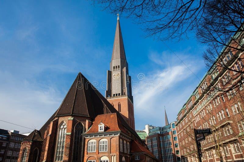 Ιστορική εκκλησία Αγίου James στο κέντρο πόλεων του Αμβούργο στοκ εικόνες