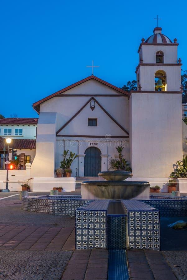 Ιστορική καθολική εκκλησία στο κέντρο της πόλης Ventura στοκ φωτογραφίες με δικαίωμα ελεύθερης χρήσης