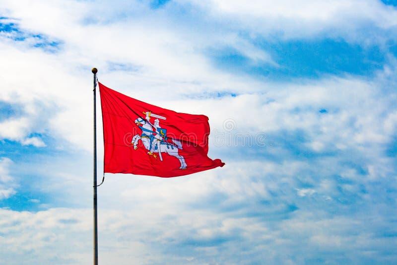 Ιστορική λιθουανική σημαία, Vytis στοκ φωτογραφία