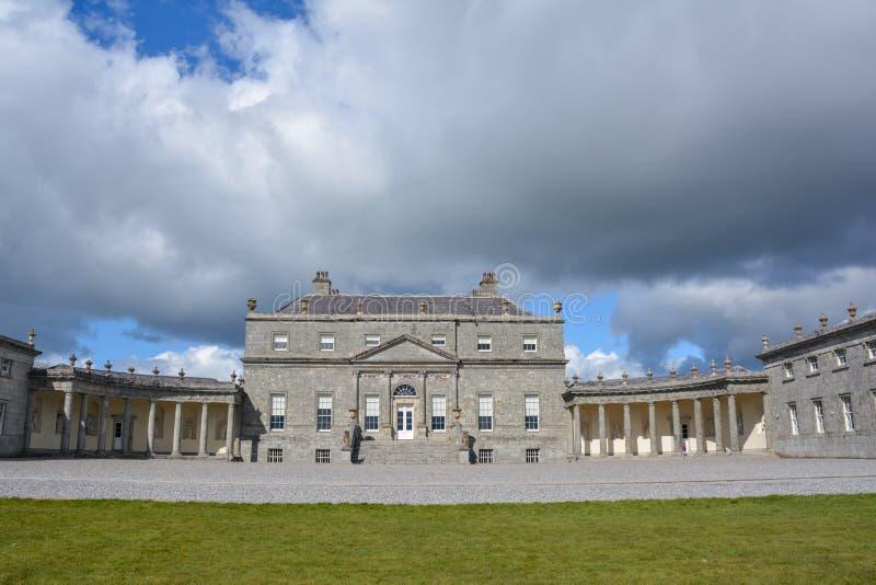 Ιστορικό κοβάλτιο Wicklow Ιρλανδία σπιτιών Russborough φέουδων στοκ εικόνα
