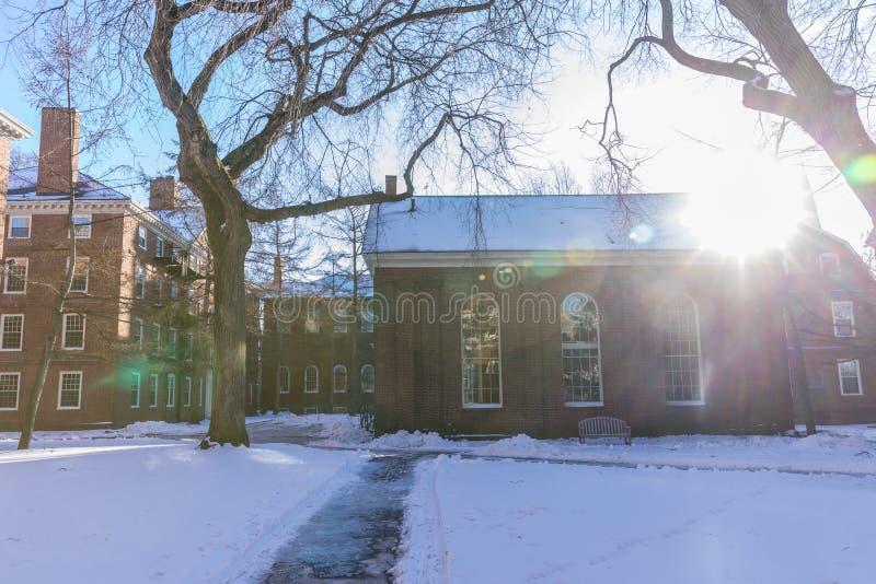 Ιστορικό κτήριο Πανεπιστημίου του Χάρβαρντ στο Καίμπριτζ στη Μασαχουσέτη ΗΠΑ στοκ φωτογραφία με δικαίωμα ελεύθερης χρήσης