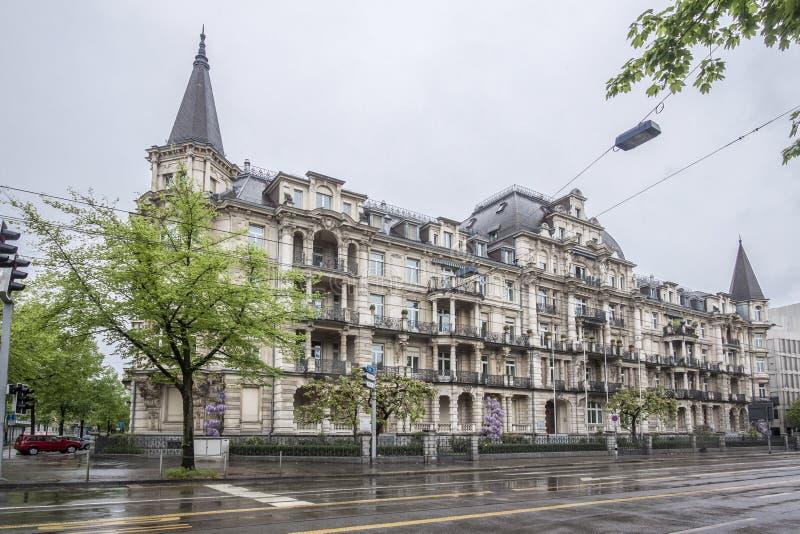 Download Ιστορικό κτήριο της Ζυρίχης Ελβετία Στοκ Εικόνα - εικόνα από πύργος, βροχή: 62710669