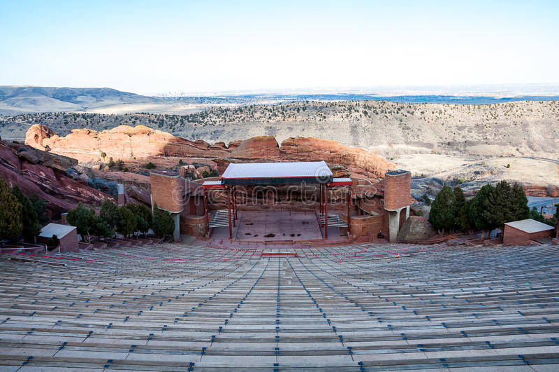Ιστορικό κόκκινο αμφιθέατρο βράχων κοντά στο Ντένβερ, Κολοράντο στοκ φωτογραφία με δικαίωμα ελεύθερης χρήσης