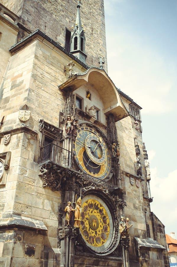 Ιστορικό μεσαιωνικό αστρονομικό ρολόι στο παλαιό Δημαρχείο στην Πράγα, Δημοκρατία της Τσεχίας στοκ φωτογραφία με δικαίωμα ελεύθερης χρήσης