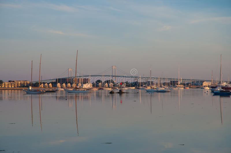 Download Ιστορικό Νιούπορτ, Ρόουντ Άιλαντ στη Dawn Εκδοτική Στοκ Εικόνες - εικόνα από τουρίστες, τουρισμός: 62708353