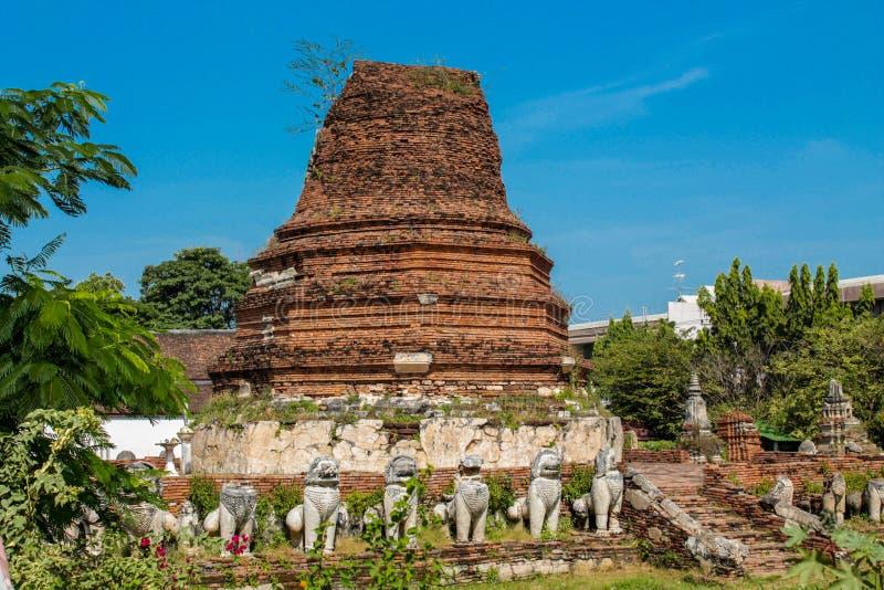 Ιστορικό πάρκο αρχαίο Wat Thammikarat Si Ayutthaya Nakhon Phra στοκ φωτογραφία