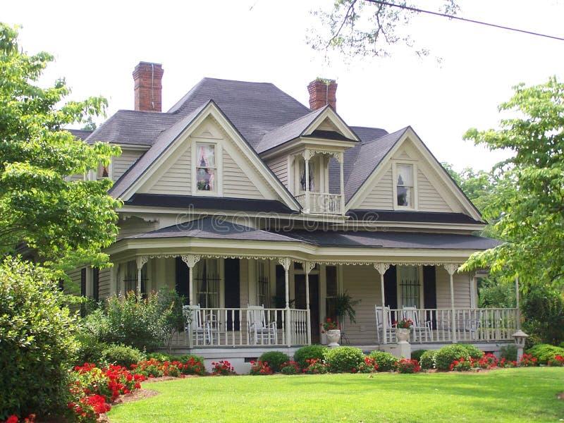 ιστορικό σπίτι στοκ εικόνα με δικαίωμα ελεύθερης χρήσης
