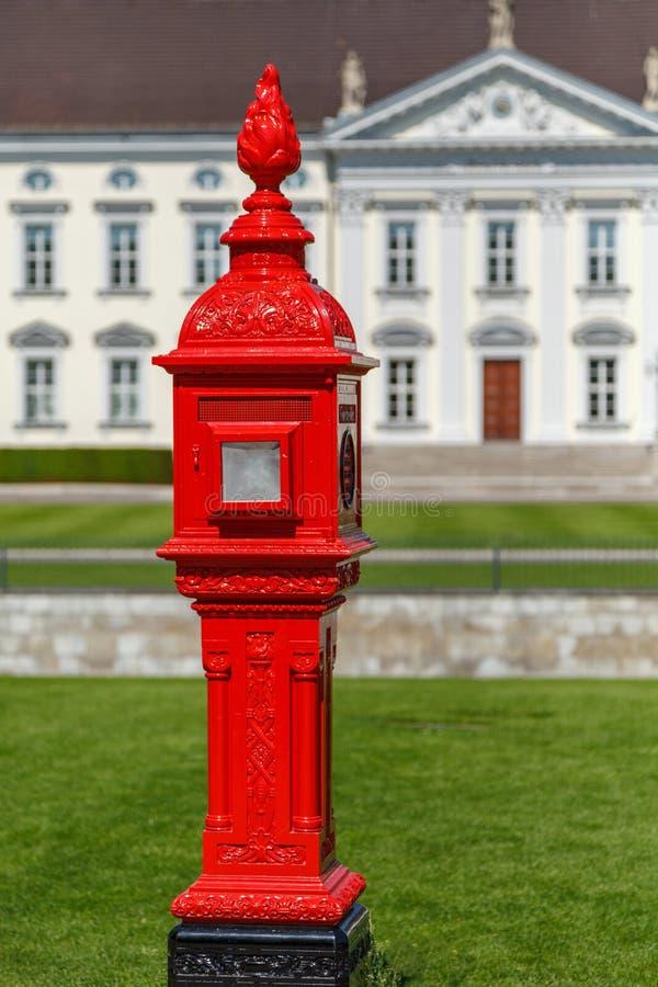 Ιστορικό firepost στο Βερολίνο στοκ εικόνες