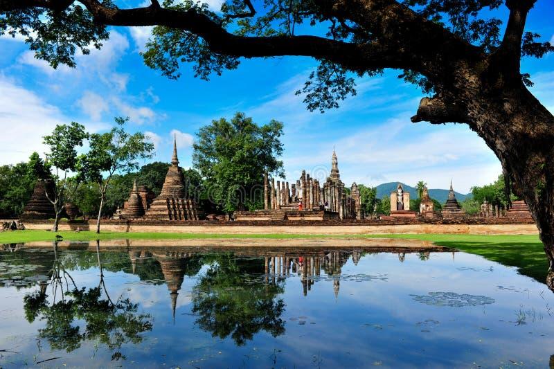 ιστορικό sukhothai πάρκων mahathat wat στοκ εικόνες