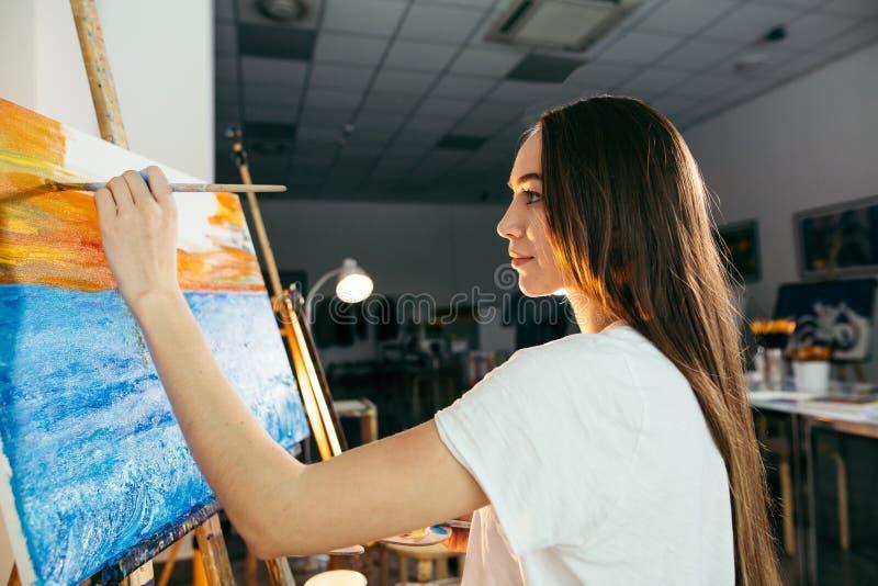Ισχυρή επιθυμία χόμπι ή εργασίας να δημιουργηθεί η ομορφιά στοκ εικόνες με δικαίωμα ελεύθερης χρήσης