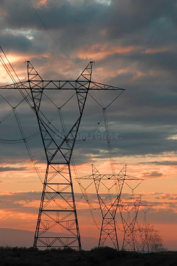Download ισχύς γραμμών στοκ εικόνες. εικόνα από νωρίς, γραμμή, βακκινίων - 1534836