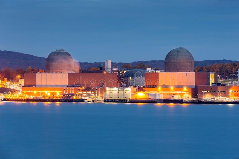 ισχύς πυρηνικών εγκαταστάσεων στοκ εικόνα με δικαίωμα ελεύθερης χρήσης