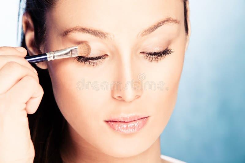 ισχύστε makeup στοκ εικόνα με δικαίωμα ελεύθερης χρήσης
