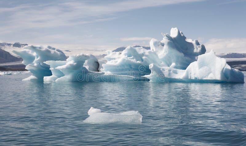 Ισλανδία Νοτιοανατολική περιοχή Jokulsarlon Παγόβουνα και λίμνη στοκ εικόνες με δικαίωμα ελεύθερης χρήσης