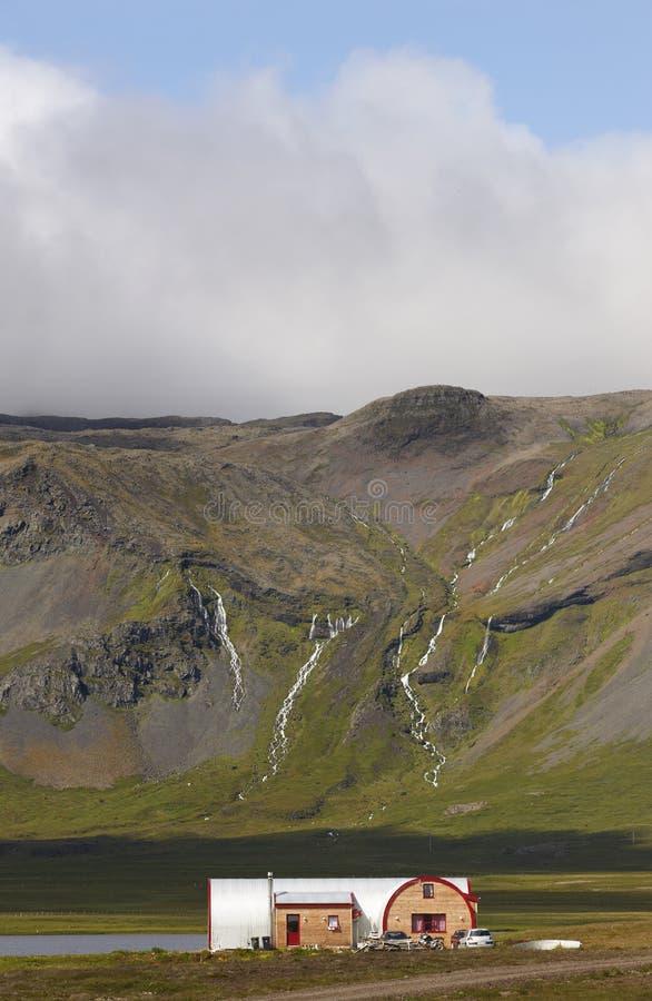 Ισλανδία. Χερσόνησος Snaefellnes. Τοπίο με το ηφαιστειακό βουνό στοκ εικόνα