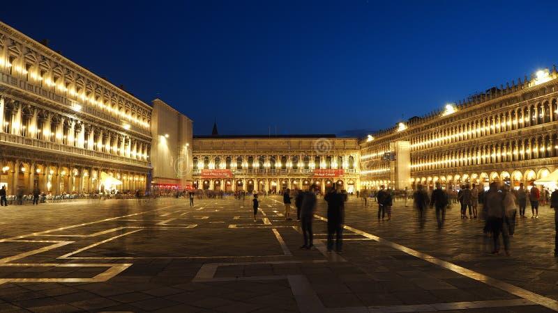 Ιταλία Βενετία Καταπληκτικό τοπίο του τετραγώνου SAN Marco το βράδυ στοκ φωτογραφία