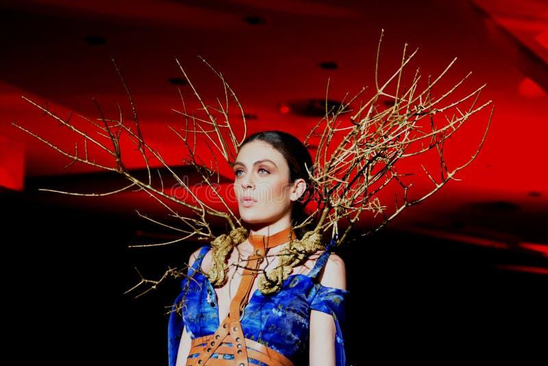 Ιταλία: Ιταλικά Βραβεία Ταλέντου Μόδας, Defile' για τους νέους σχεδιαστές μόδας στοκ εικόνες με δικαίωμα ελεύθερης χρήσης
