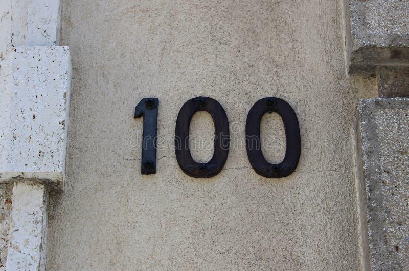 Ιταλία: Οδικό σήμα αριθμός εκατό στοκ φωτογραφίες με δικαίωμα ελεύθερης χρήσης
