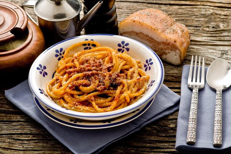ιταλικά ζυμαρικά amatriciana στοκ εικόνα